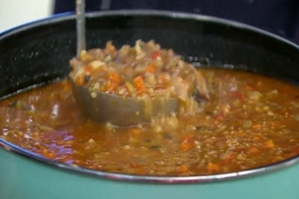 Moσχαρόσουπα με λαχανικά και γλυκό τραχανά! (Video)