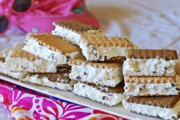 Γλυκό σαντουιτσάκι ψυγείου με ζαχαρούχο γάλα και μπισκότα!