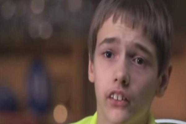 Όταν ήταν μικρός όλοι τον κορόιδευαν για τα δόντια του. Τελικά πήρε την εκδίκηση του και...