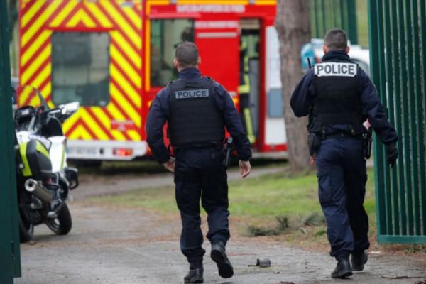Μακελειό στο Παρίσι: Αιματηρή επίθεση με μαχαίρι με έναν νεκρός!