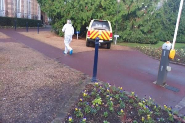 Συναγερμός στη Γαλλία: Πυροβολισμοί σε δημαρχείο! Ένας νεκρός! (photos)