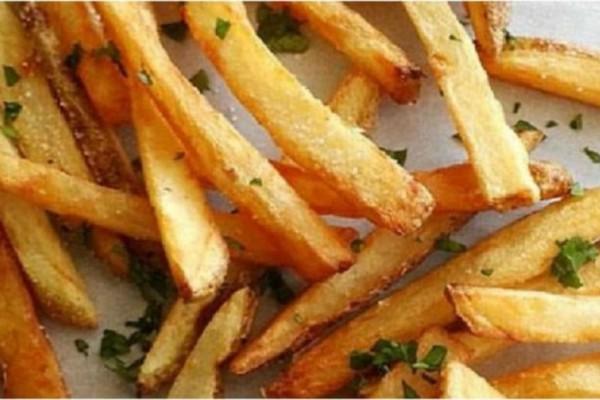 Οι πιο νόστιμες πατάτες στο φούρνο που είναι σαν τηγανιτές!