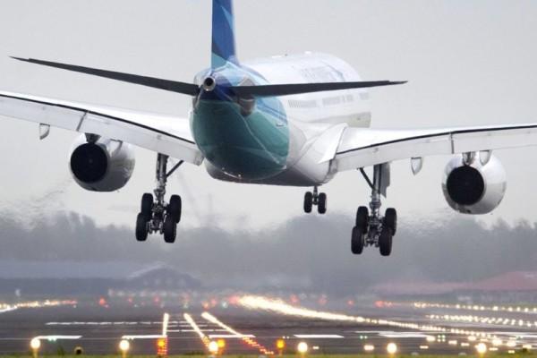 Θρίλερ σε πτήση: Επιβάτης υποστήριζε πως μετέφερε εκρηκτικά!
