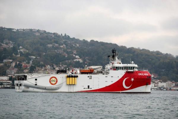 Χαμός στο Αιγαίο! Τουρκικό ερευνητικό άπλωσε τα καλώδια του στην ελληνική υφαλοκρηπίδα! (video)
