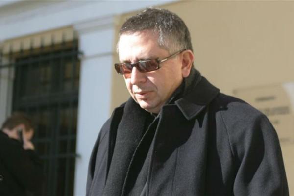 Θέμος Αναστασιάδης: Ρίγη συγκίνησης στο ετήσιο μνημόσυνο του παρουσιαστή!