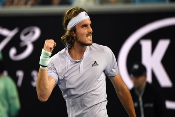 Στέφανος Τσιτσιπάς: Άνοιξε με νίκη το Open της Αυστραλίας! Κατατρόπωσε με 3-0 τον Καρούζο !