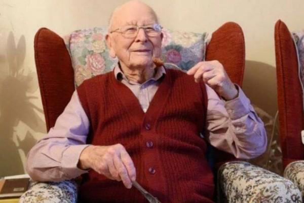Αυτός ο παππούς μόλις έκλεισε τα 100... Δεν φαντάζεστε τι περιλαμβάνει η διατροφή του!