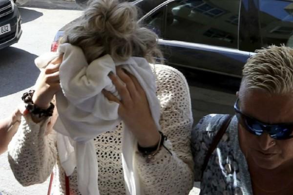 Κύπρος: Στη Βρετανία επιστρέφει η 19χρονη που ισχυρίστηκε ότι την βίασαν!