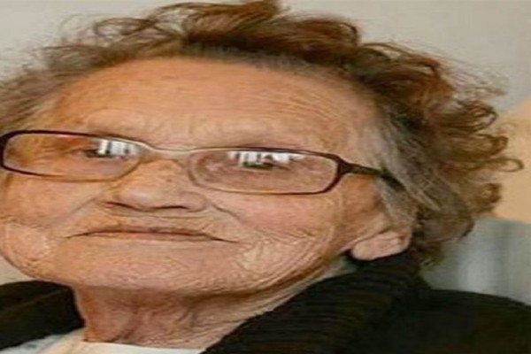 80χρονη γιαγιά μεταμορφώνεται σε νέα γυναίκα! Υπεύθυνη γι' αυτό είναι η εγγονή της!