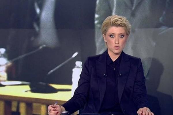 Θεά η Σία Κοσιώνη: Φόρεσε το πιο σικ σακάκι και μας άφησε άφωνους!