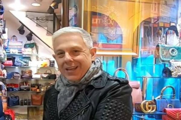 Τάσος Δούσης: Αυτό είναι το μαγαζί που οι διάσημες ψωνίζουν τσάντες μαϊμού - Louis Vuitton, Chanel, Hermes σε χαμηλές τιμές!