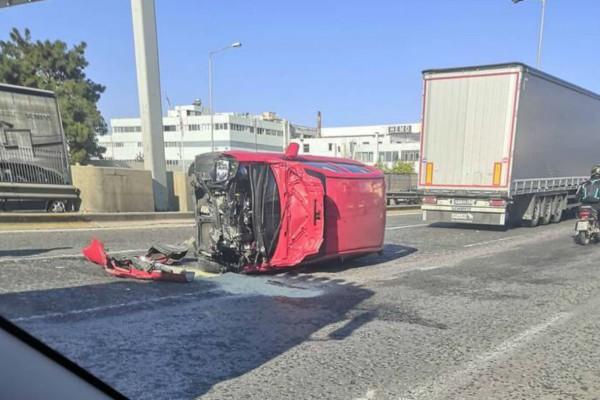 Εικόνες που κόβουν την ανάσα: Τροχαίο στην Αθηνών - Λαμίας!