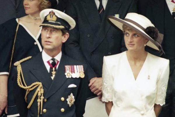Σεισμός στο Buckingham: Η Νταϊάνα ήταν ερωτευμένη με τον αδελφό του Κάρολου!