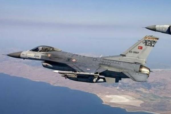 Συναγερμός στο Αιγαίο: Υπερπτήσεις τουρκικών μαχητικών πάνω από Οινούσσες και Παναγιά!