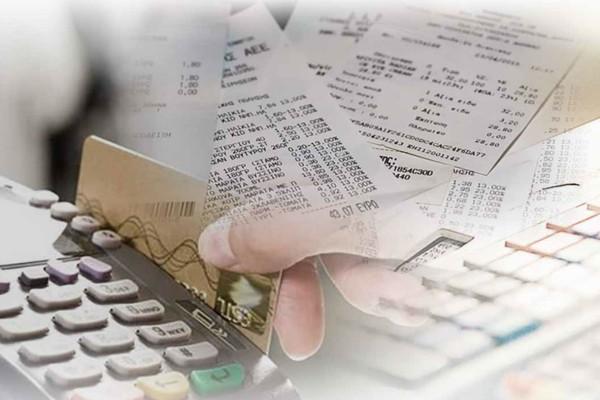 Ποινή έξτρα φόρου απειλεί τα νοικοκυριά! Ποιες ηλεκτρονικές αποδείξεις χτίζουν το 30% του εισοδήματος; (Video)