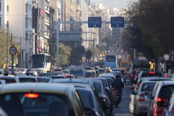 Αυξημένη κίνηση στους δρόμους της Αττικής! Που εντοπίζονται προβλήματα; (photo)