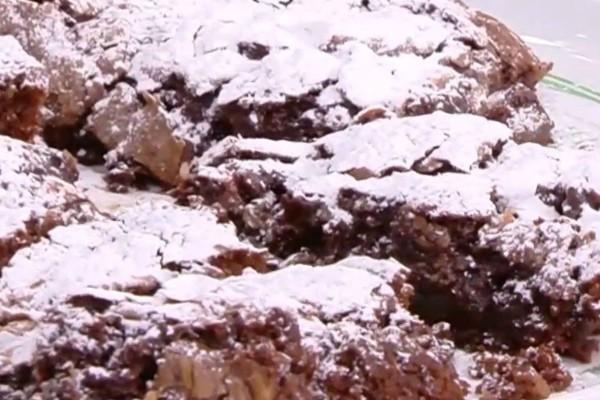 Συνταγή για brownies σοκολάτας με λουκούμια από την Μαρία Εκμεκτσίογλου! (Video)