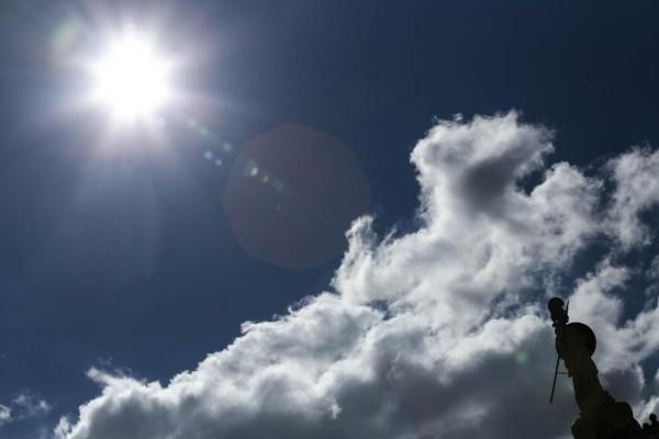 Καιρός σήμερα: Ηλιοφάνεια σε όλη τη χώρα - Το θερμόμετρο θα φτάσει τους 20 βαθμούς