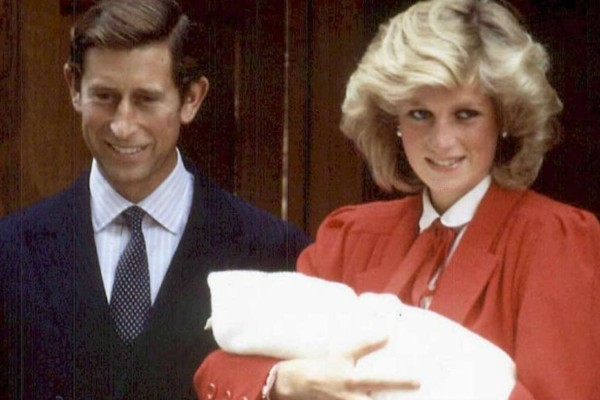 Σάλος με την πριγκίπισσα Νταϊάνα - Την έβαλαν να γεννήσει με...