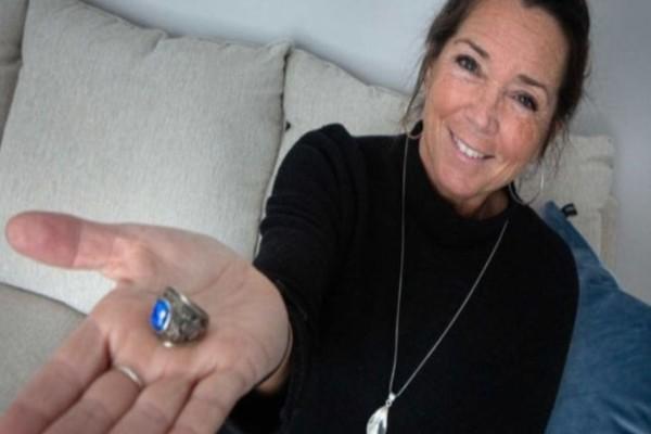 Βρήκε το δαχτυλίδι που είχε χάσει πριν 47 χρόνια και ο τρόπος που βρέθηκε ήταν πραγματικά συγκινητικός