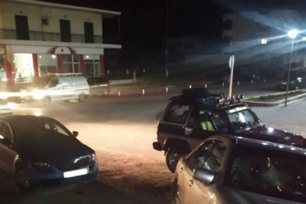 Αυτοκίνητα έπεσαν επάνω σε τέσσερα παιδιά! Συναγερμός στην Εύβοια!
