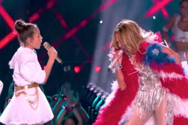 Ίδια η J-Lo! Έκλεψε την παράσταση στο Super Bowl η φοβερή κόρη της Τζένιφερ Λόπεζ! (video)