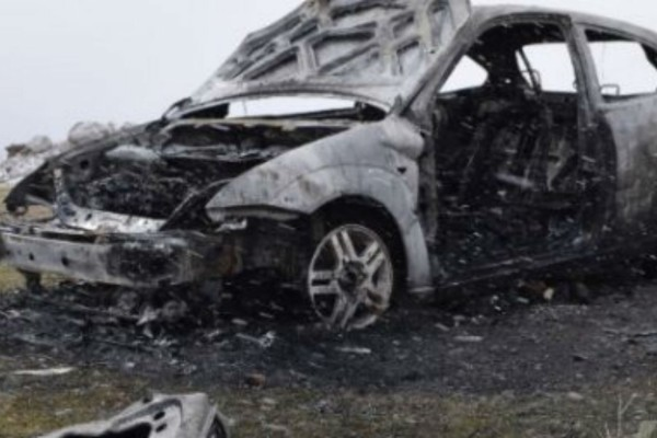 30χρονος απανθρακώθηκε μέσα στο αυτοκίνητό του! (Video)