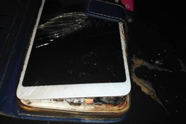 Το λάθος που κάνουμε όταν φορτίζουμε το κινητό μας και αυξάνει τον κίνδυνο πυρκαγιάς! (photo)