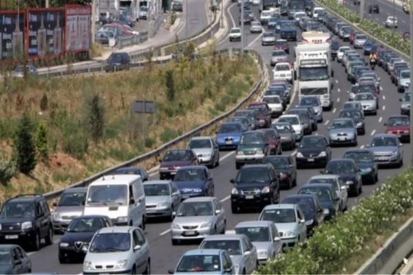 Τροχαίο στην Αθηνών-Λαμίας! Ουρές χιλιομέτρων μέχρι την Κηφισιά!