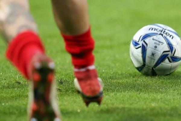 Έλληνας ποδοσφαιριστής κατέρρευσε σε γήπεδο: Κρίσιμη η κατάσταση της υγείας του!
