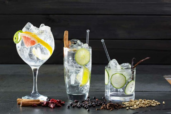 4+1 αλκοολούχα ποτά που μπορείτε να πιείτε εν μέσω δίαιτας!