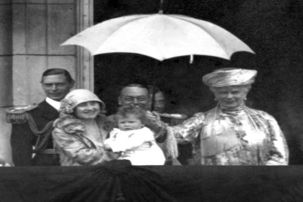 Η Βασίλισσα Ελισάβετ γιορτάζει δύο διαφορετικές ημερομηνίες τα γενέθλιά της - Δεν πάει το μυαλό σας στον λόγο