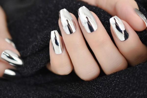 Mirror nails: Ένας καθρέφτης στα νύχια σου!