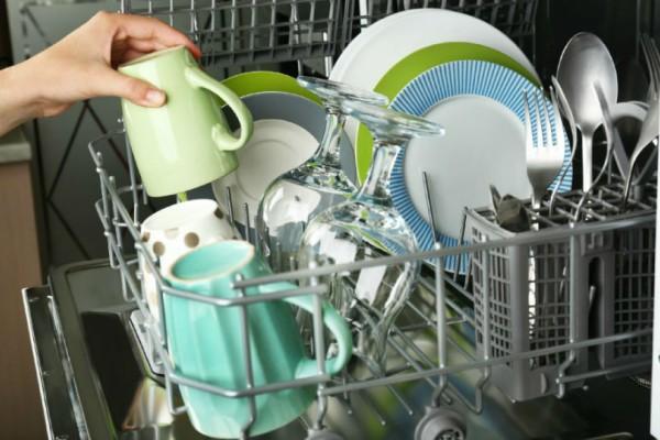 Εσύ ξέρεις ποιος είναι ο σωστός τρόπος για να γεμίσεις το πλυντήριο των πιάτων σου;