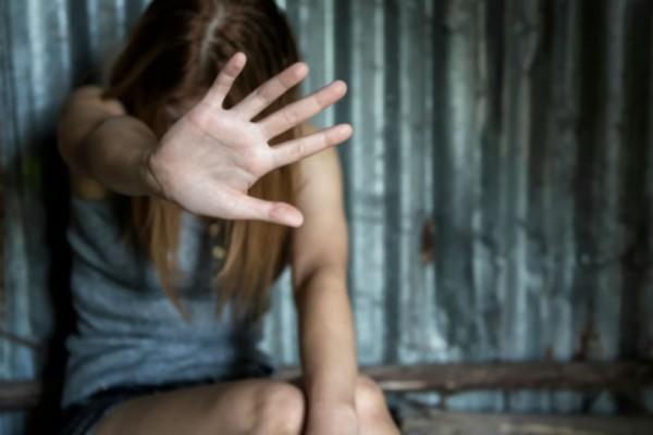 15χρονη ζούσε την απόλυτη φρίκη στον Ορχομενό! Έσβηναν επάνω της μέχρι και τσιγάρα!