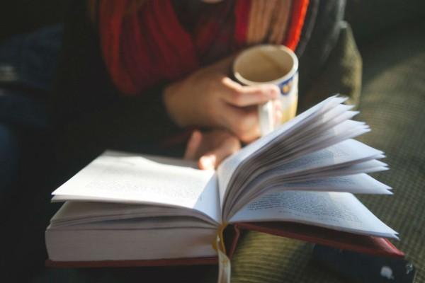 Τα 4+1 καλύτερα μυθιστορήματα για να διαβάσουμε τώρα που #μένουμε_σπίτι!