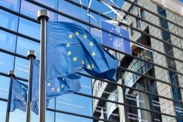 Μεταναστευτικό: Ζητά αποσυμφόρηση των κέντρων υποδοχής στα νησιά από την Ελλάδα η ΕΕ