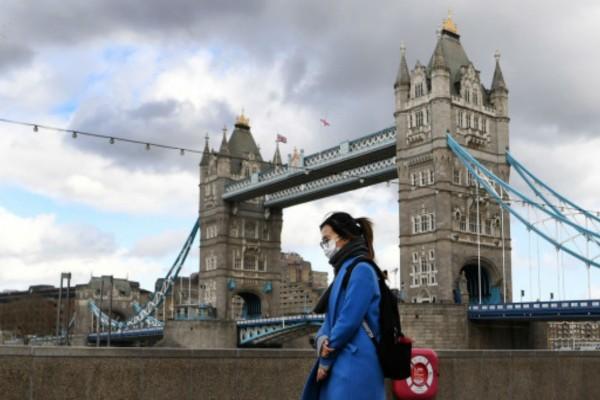 Κορωνοϊός Βρετανία: 28 νέοι θάνατοι - 465 συνολικά νεκροί