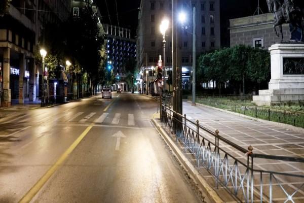 Κορωνοϊός: Οδηγείται σε ολική απαγόρευση κυκλοφορίας η χώρα