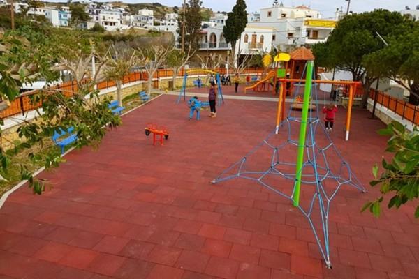 Κορωνοϊός: Λουκέτο και στην παιδική χαρά του Κέντρου Πολιτισμού Σταύρος Νιάρχος!