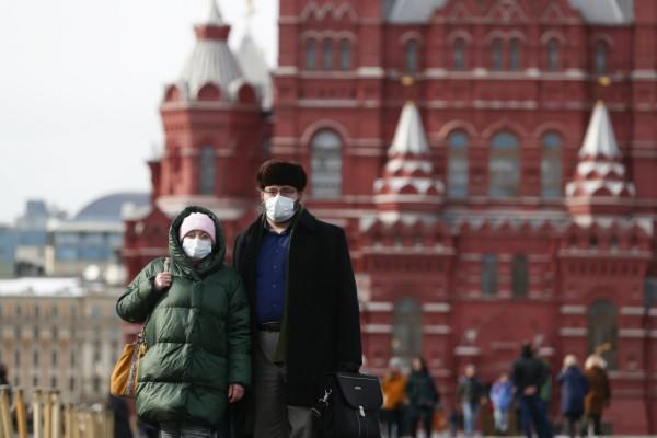 Κορωνοϊός Ρωσία: Δύο ακόμη νεκροί στην χώρα - Κλείνει τα μαγαζιά ο Πούτιν
