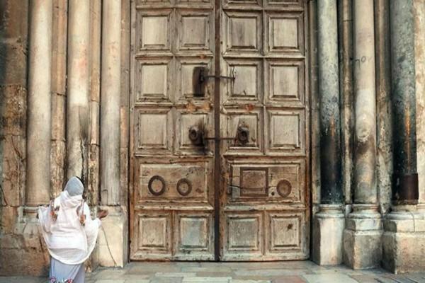 Κορωνοϊός: Λουκέτο στον Πανάγιο Τάφο της Ιερουαλήμ