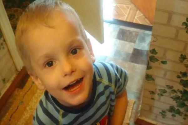 Κανένας δεν ήθελε αυτό το 4χρονο αγοράκι λόγω αυτού που του έλειπε - Τελικά βρήκε...