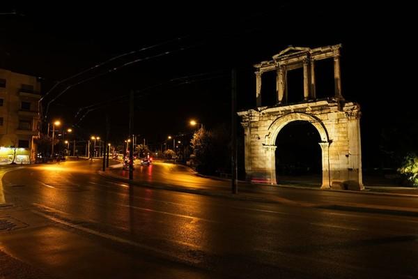 Η φωτογραφία της ημέρας: Έρημη πόλη η Αθήνα