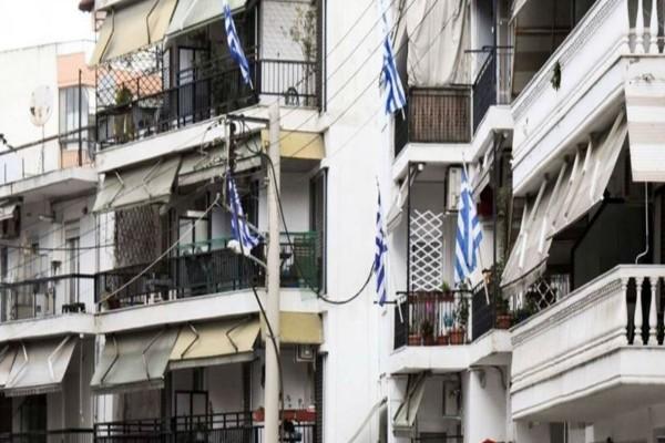 Κορωνοϊός: Απόψε στις 21:00 όλοι οι Έλληνες βγαίνουν στα μπαλκόνια τους!