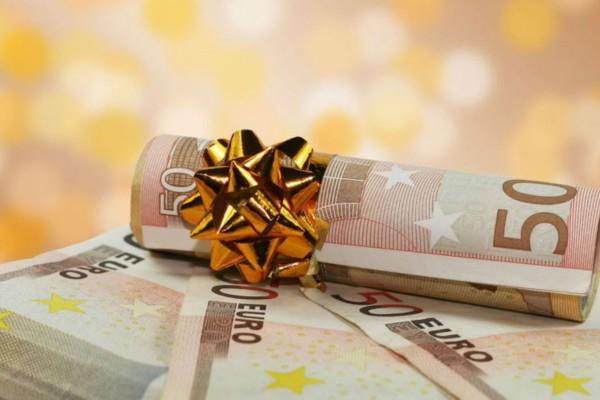 Οι 4+1 κατηγορίες που δικαιούνται το επίδομα των 800 ευρώ - Αναλυτικά τα ποσά του δώρου Πάσχα ανάλογα με τις ημέρες εργασίας λόγω κορωνοϊού (photo)