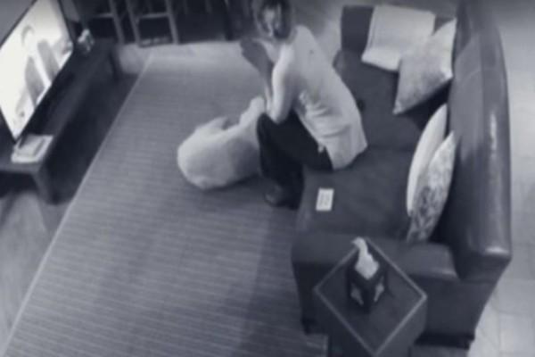 Έβαλε κρυφή κάμερα στο σπίτι για να κατασκοπεύσει τη γυναίκα του - Πάγωσε όταν την έβλεπε να... (video)