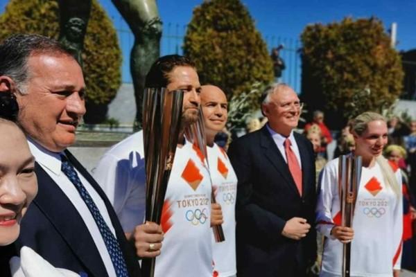 Ολυμπιακή Φλόγα: «This is Sparta» είπε ο  Τζεράρντ Μπάτλερ και μετά από αυτό διακόπηκε η λαμπαδήδρομια