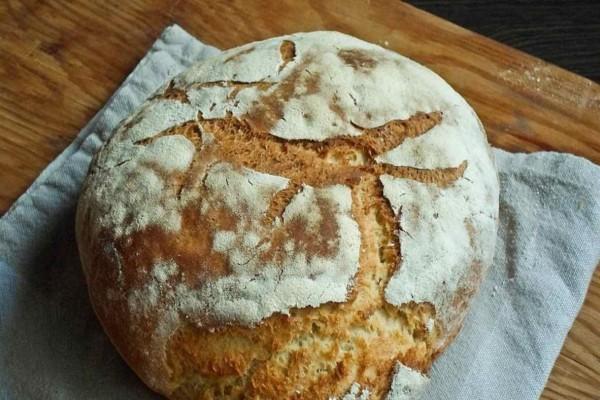 Φτιάξτε μόνοι σας ψωμί στο σπίτι - Το μυστικό είναι στο ελαιόλαδο και τη μαγειρική σόδα
