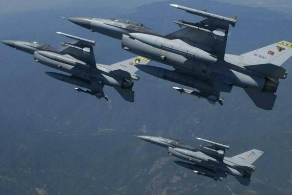 Συναγερμός στο Αιγαίο -  Υπερπτήσεις τουρκικών μαχητικών πάνω από Οινούσσες, Παναγιά και Χίο